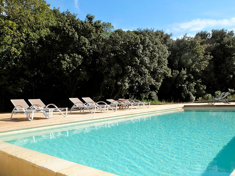 Profitez de notre piscine au milieu d 39 un cadre idylique for Chauffer piscine naturelle